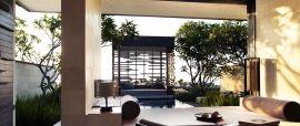 Senin Siang Luxury Pool
